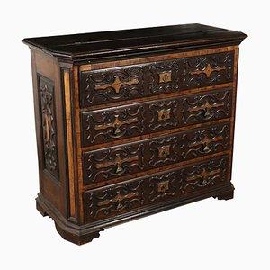 Cassettiera grande in legno di noce intagliato, XVIII secolo