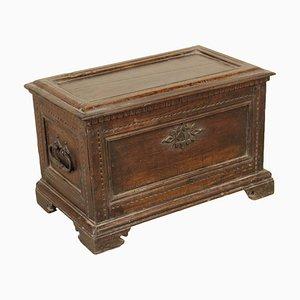 Kleine antike italienische Kiste aus Nussholz