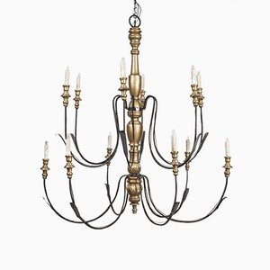 Lampadario grande vintage in metallo e legno dorato