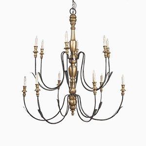 Lámpara de araña vintage grande de metal y madera dorada