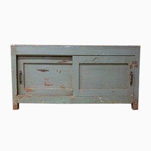 Mueble de taller vintage con puertas correderas