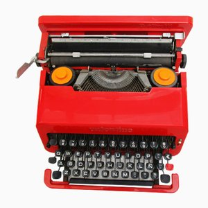Máquina de escribir Valentine de Ettore Sottsass para Olivetti, años 60