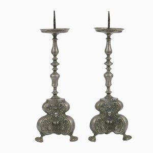 Candelabros barrocos de estaño, siglo XVIII. Juego de 2