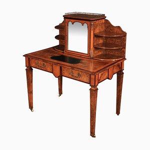 Schreibtisch aus Nussholz mit Intarsien, 19. Jh.