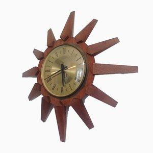 Mid-Century Uhr aus Teakholz in Sonnen-Optik von Anstey Wilson, 1960er