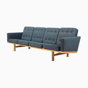 Sofá de tres plazas modelo 236/4 de Hans J. Wegner para Getama, años 60