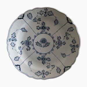 Fuente antigua grande en forma de cuenco de porcelana con motivos de siemprevivas de Meissen