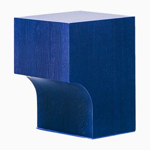 Taburete Arch 01.1 en azul de Sam Goyvaerts para barh.design