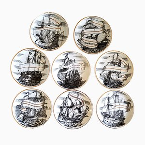 Untersetzer mit Schiff-Motiven aus Porzellan mit Originalschachtel von Atelier Fornasetti, 1960er, 8er Set