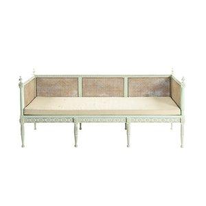 Sofá cama estilo gustaviano antiguo