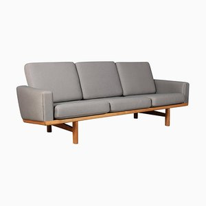 Sofá de tres plazas modelo 236/3 de Hans J. Wegner para Getama, años 60