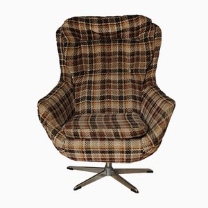 Mid-Century Egg Chair with Chequered Upholstery on Chrome 5-Star Base