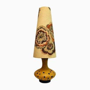 Lámpara Mid-Century grande de cerámica con pantalla floral, años 50