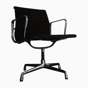 EA 108 Stuhl mit verchromtem Gestell & Veloursbezug von Charles & Ray Eames für Vitra, 1980er
