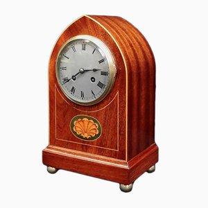 Reloj de repisa francés Belle Epoque de caoba con incrustaciones, década de 1900