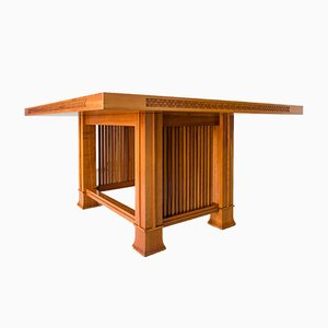 Table Husser par Frank Lloyd Wright pour Cassina, 1990s