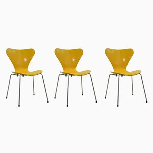 Vintage Butterfly Chairs by Arne Jacobsen for Fritz Hansen, 1978, Set of 3