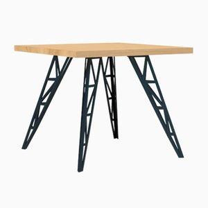 Kleiner Esstisch mit Tischplatte aus Eiche & gelaserten Stahlbeinen von Aljoscha Vogt für GUSTAV Möblierungen