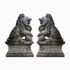 Sculptures de Lions Antiques en Pierre, Set de 2