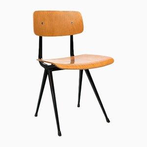 Industrieller niederländischer Vintage Holzstuhl von Friso Kramer