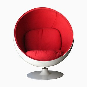 Poltrona sferica Mid-Century moderna bianca e rossa di Eero Aarnio, 1963