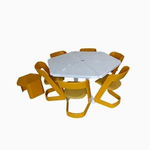Tavolo triangolare Lucy con sei sedie di Peter Ghyczy per Form + Life Collection, anni '70