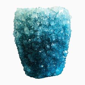 Jarrón Crystal 1 mediano en azul hielo de Isaac Monté, 2019