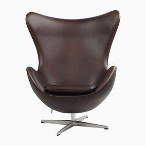 Egg chair di Arne Jacobsen per Fritz Hansen, inizio XXI secolo