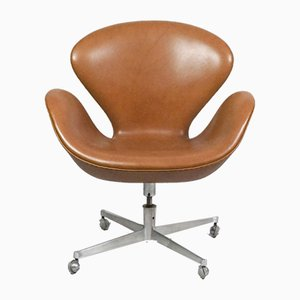 Swan Swivel Chair by Arne Jacobsen for Fritz Hansen, 1960s