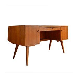 Großer skandinavischer Vintage Schreibtisch aus Teak, 1960er