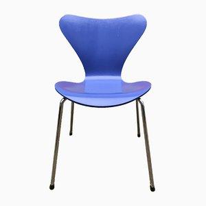 Sedia da pranzo nr. 7 blu di Arne Jacobsen per Fritz Hansen, anni '50
