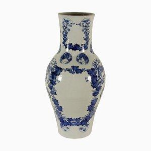 Jarrón japonés antiguo de porcelana en azul y blanco