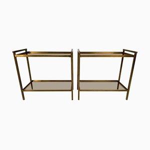 Mesas auxiliares vintage rectangulares de latón y cristal ahumado con dos niveles. Juego de 2