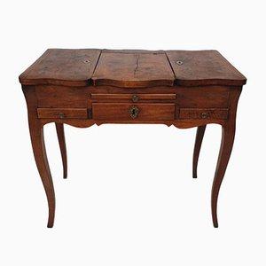 Antiker Schreibtisch aus Nussholz, 1750er