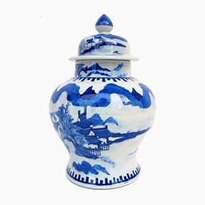 Bemalte chinesische Vase mit Deckel, 1900er