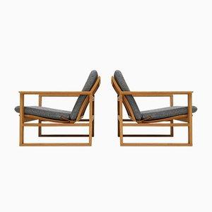 2256 Sessel mit Gestell aus Eiche von Børge Mogensen für Fredericia Stolefabrik, 1956, 2er Set