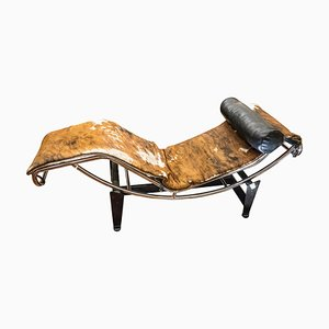 Cow Leather & Chrome Chaise Lounge by Charlotte Perriand, Le Corbusier and Pierre Jeanneret for Cassina, 1960s