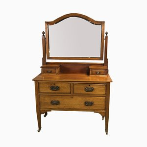 Early 20th Century English Mahogany Dressing Table