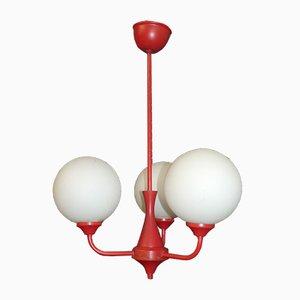 Lámpara de araña de vidrio esmerilado blanco y metal rojo de 3 luces, años 70