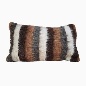 Funda para cojín hecha con alfombra Shaggy de lana angora tejida de Vintage Pillow Store Contemporary