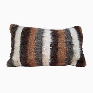 Zotteliger Kissenbezug aus Angorawolle von Vintage Pillow Store Zeitgenosse