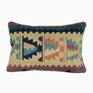Funda de cojín lumbar Nomadic hecha con kilim tejido a mano con estampado azteca de Vintage Pillow Store Contemporary