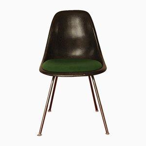 Sedia DSS vintage in fibra di vetro e metallo cromato di Charles & Ray Eames per Herman Miller