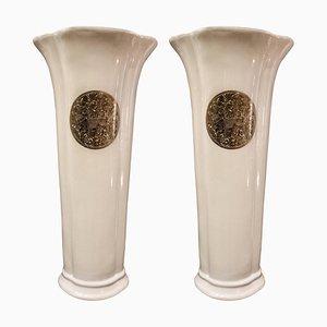 Weiße französische Mid-Century Porzellanvasen in Blumen-Optik von Fabienne Jouvin