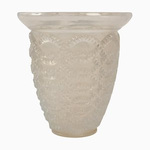 Opalescent Guirlandes Vase by René Lalique, 1935