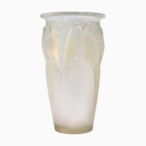 Opalescent Glass Ceylan Vase by René Lalique, 1920s