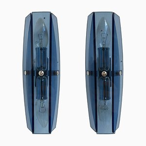 Apliques modernistas italianos de metal cromado y vidrio azul, años 80. Juego de 2