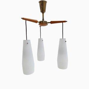 Lámpara de araña italiana modernista de abedul, latón y vidrio lechoso, años 50