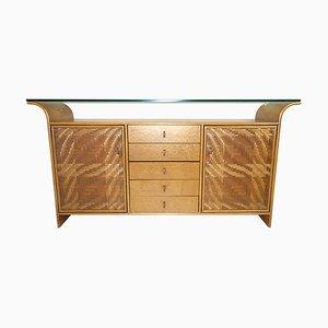 Buffet Hollywood Regency de madera de imitación de bambú y madera con tablero de vidrio, años 70