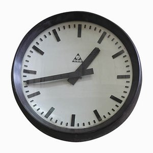 Czechoslovakian Industrial Clock from Pragotron, 1950s